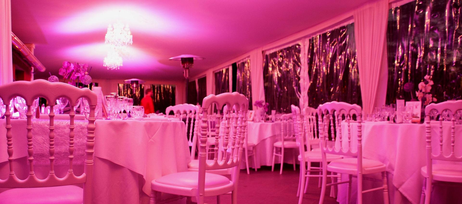 éclairage décoratif de la salle de mariage